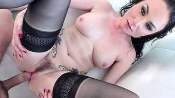 Raven-head babe Veruca James gives it to passionate Toni Ribas
