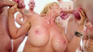 Insatiable MILF Alexis Fawx's thorough guide to throat fucking in orgy
