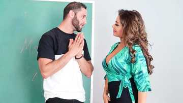 Enchanting teacher Nikki Capone pleasures her student with the mouth