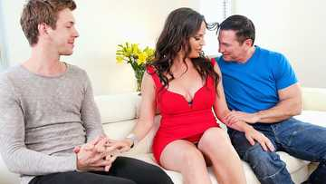 Sexy Dana Dearmond double penetrated by BF John Strong and his pal Markus Dupree
